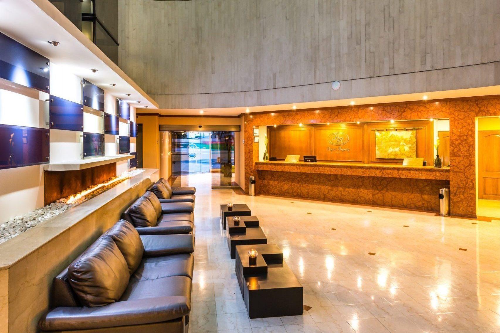 Lobby — Hotel Bogotá Regency, Bogotá, Colombia. Fotografía: Mario Carvajal www.mariocarvajal.com